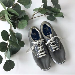 Boys Vans size 5.5 gray white blue